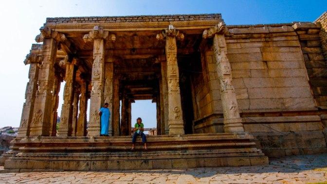 Hampi, un luogo intatto, maestosi templi nella Cappadocia indiana.